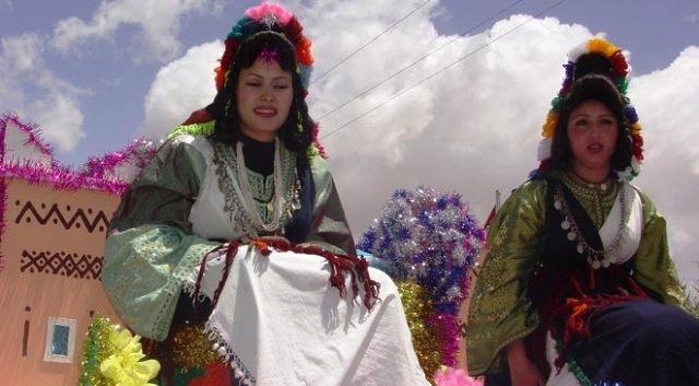 انطلاق مهرجانا الورود بقلعة مكونة المغربية