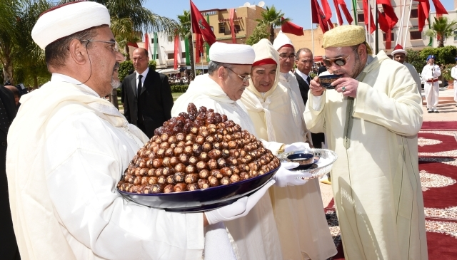 العاهل المغربي يشرف على تدشين مشاريع  اجتماعية جديدة في الفقيه بنصالح