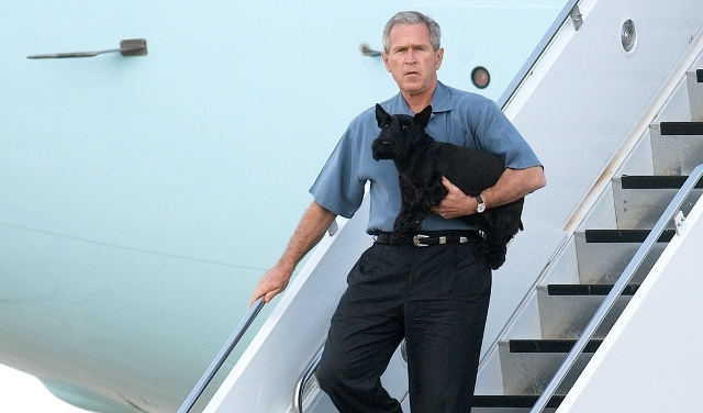 جورج بوش وعائلته في حداد على وفاة صديقه الوفي