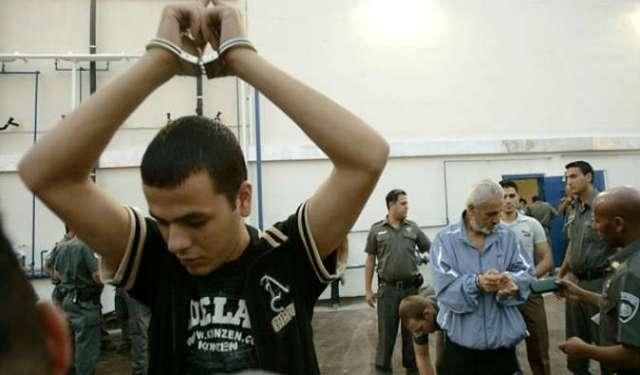 5200 أسير فلسطيني يضربون عن الطعام