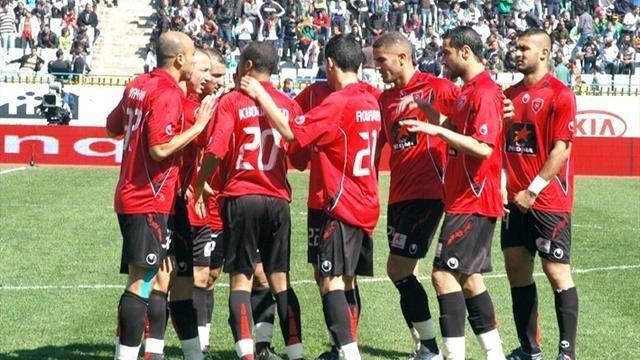 اتحاد العاصمة بطل الدوري الجزائري  يتسلم الدرع