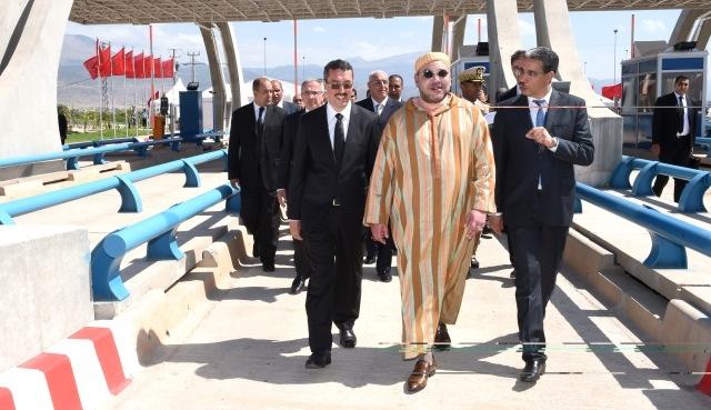 العاهل المغربي يشرف على تدشين مشاريع طرقية لفك العزلة عن جهة تادلة ـ أزيلال