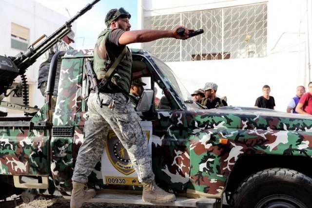 عناصر مسلحة تهاجم قوة حراسة الحكومة الليبية المنتهية ولايتها