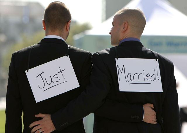 إسبانيا تستعد لترحيل مغربي بتهمة تهديد مثليين