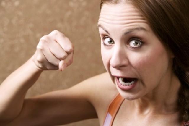 دراسة: في البيئة القاسية الرجال يفضلون المرأة الاقل أنوثة