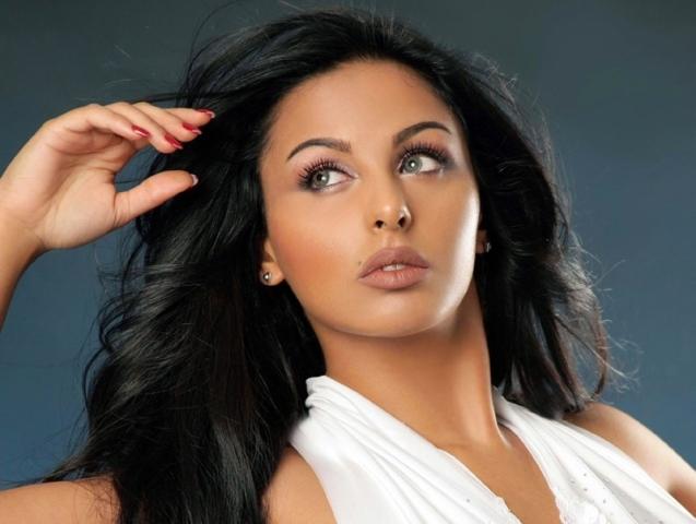 ميس حمدان تعرض نفسها للزواج مقابل شرط واحد