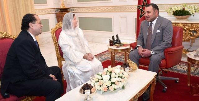 العاهل المغربي يستقبل في تونس أرملة الراحل فرحات حشاد
