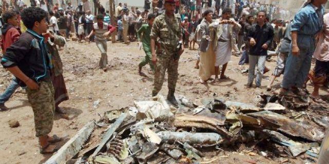 مقتل 14 جنديا ومدني في هجوم للقاعدة في اليمن