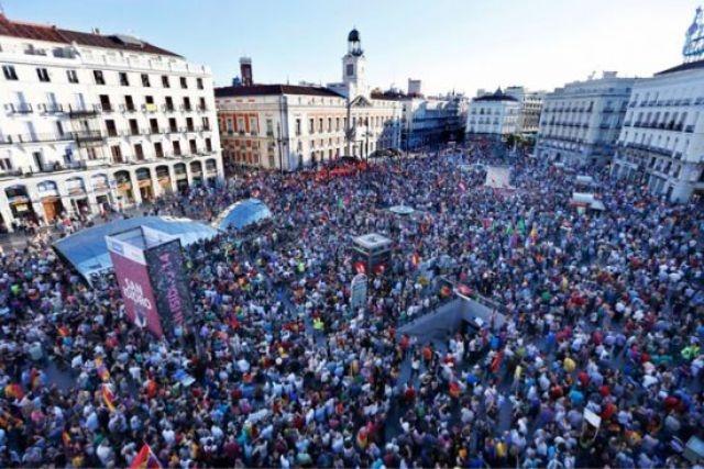 تظاهرات في إسبانيا تطالب بـ «الجمهورية»