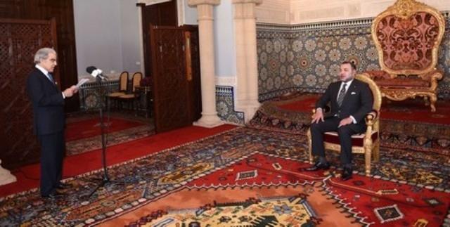 والي بنك المغرب يقدم التقرير السنوي أمام الملك محمد السادس