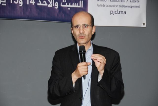 الأزمي: المغرب محتاج لحكومة سياسية تمتلك رؤية استشرافية