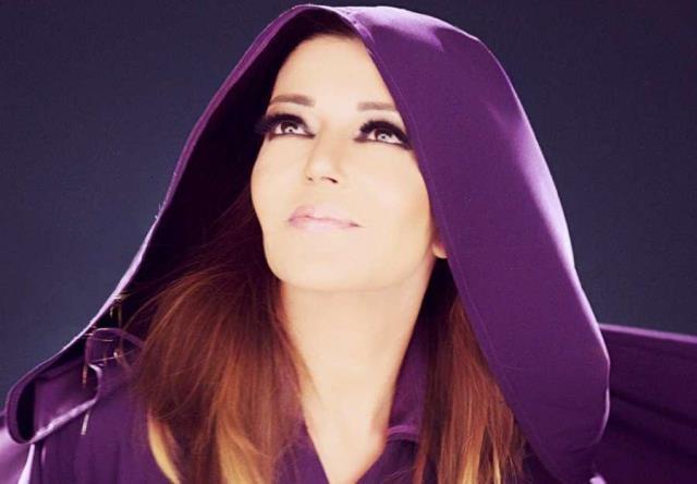 سميرة سعيد تهدي أغنية