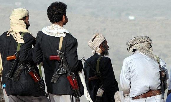 مسلحون يقتحمون مطار سيئون باليمن