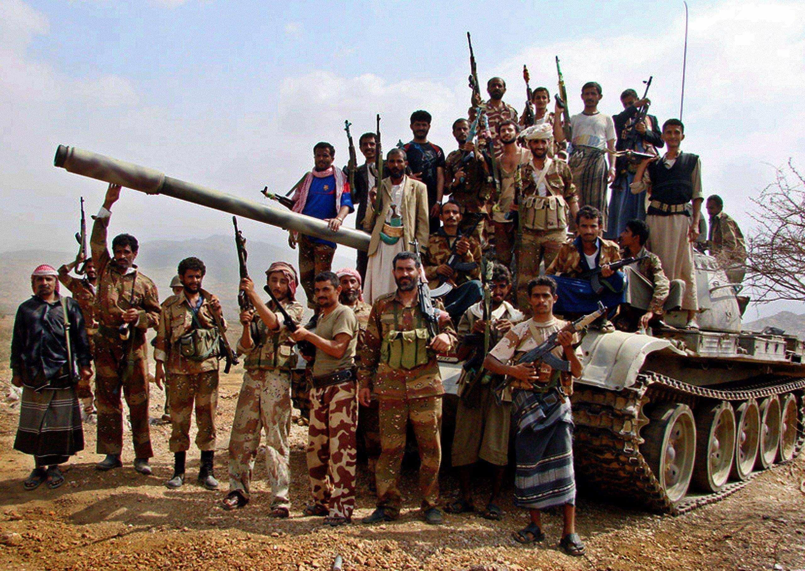 الطيران اليمني يقصف مواقع الحوثيين بالقرب من صنعاء