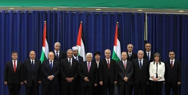 الحكومة الفلسطينية الجديدة تؤدي قسم اليمين