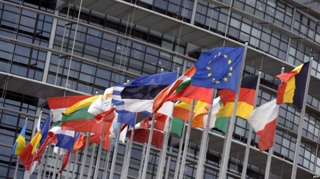 الاتحاد الأوروبي يعاقب 12 وزيرا في حكومة سوريا