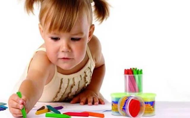 خبراء يؤكدون أن اختيار الطفل لموهبته يفجر طاقته