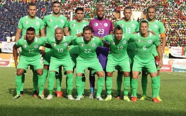 المنتخب الجزائري ينجح في توحيد الفرقاء السياسيين الجزائريين