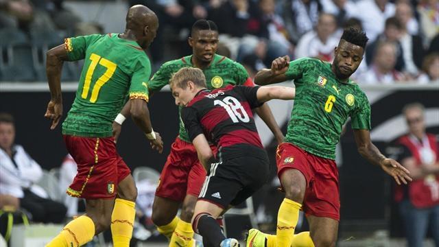 لاعبو منتخب الكاميرون يرفضون السفر!