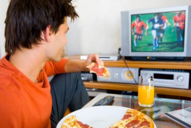 نصائح غذائية للاستمتاع بمشاهدة كأس العالم في رمضان