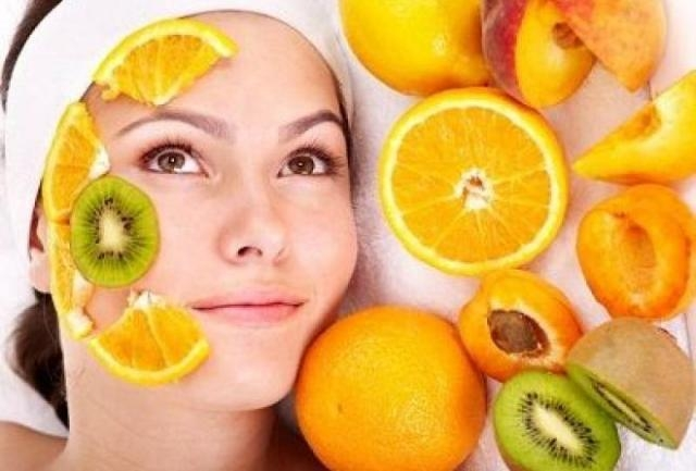 9 أطعمة ضرورية لصحة بشرتك في الصيف