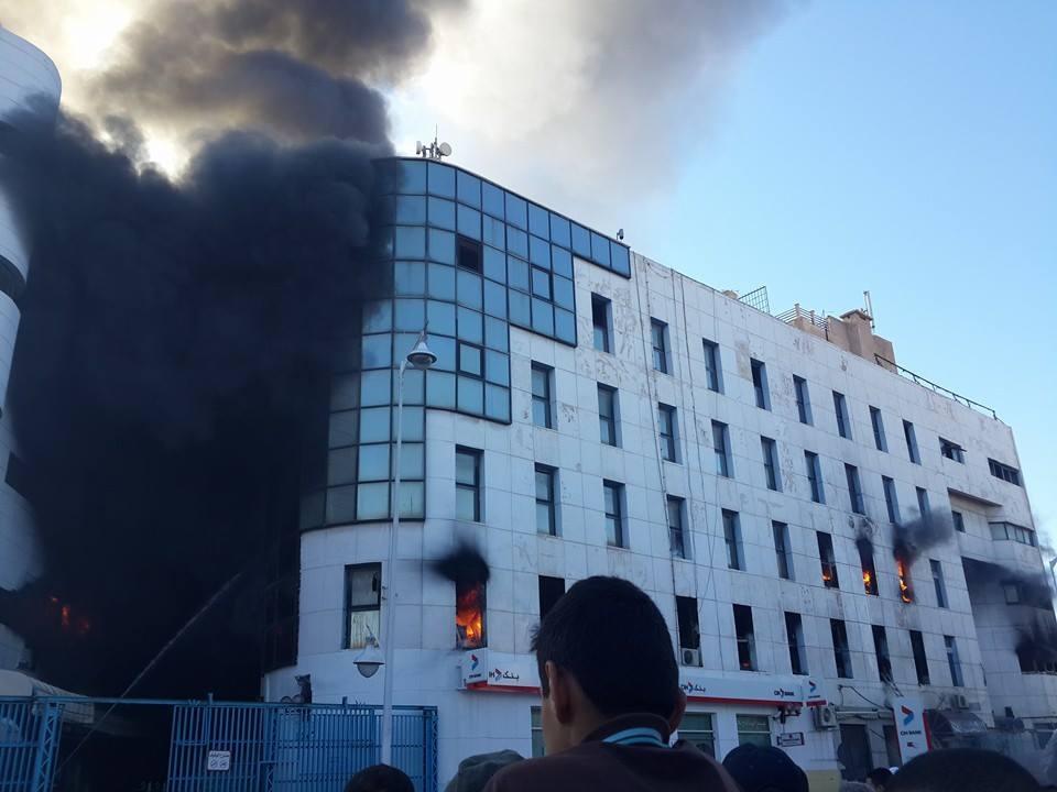 حريق مهول يلتهم المركب التجاري بالناظور