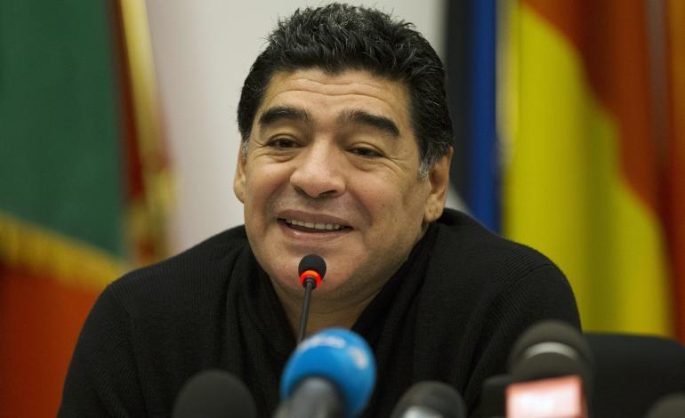 مارادونا يدعم الشيلي أمام البرازيل