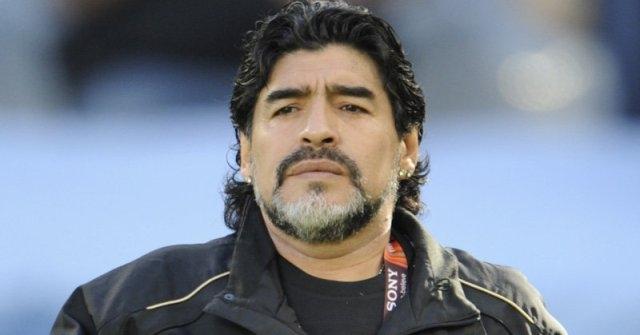 مارادونا يتهم الفيفا بظلم سواريز وتبرئة نيمار