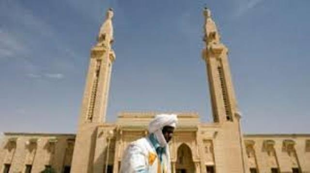 الموريتانية خديجتو بنت إسماعيل تعرض لوحاتها بالمركز الثقافي المغربي بنواكشوط