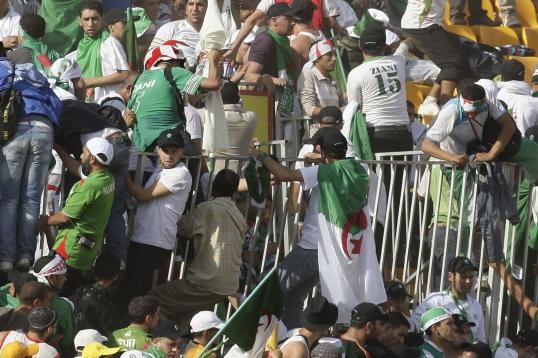 الجزائريون بين أم درمان والمصير في المونديال