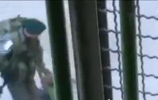 شاهد كيف تتصرف قوات الإحتلال مع أطفال فلسطين