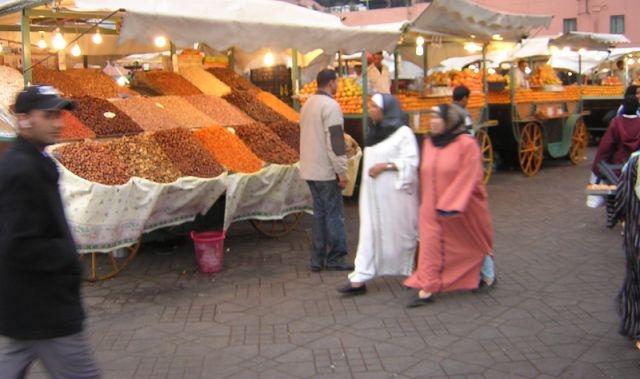 الداخلية المغربية تتدارس وضعية الأسواق في رمضان