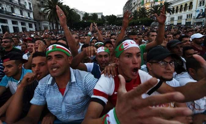 فرحة عارمة في المدن الجزائرية بفوز «محاربي الصحراء»