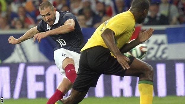 فرنسا تكتسح جامايكا بثمانية أهداف