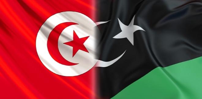 تونس توافق على تسليم 10 عناصر من نظام القذافي ليبيا