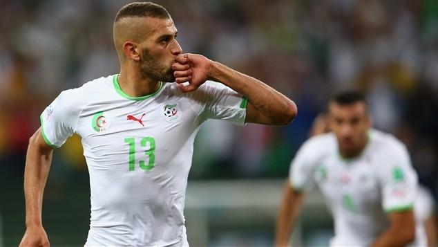 سليماني يقود المنتخب الجزائري للدور الثاني