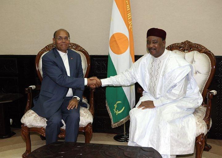 الرئيس التونسي ونظيره النيجري يتدارسان سبل تعزيز الأمن بالمنطقة