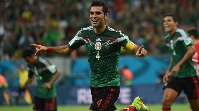 ماركيز يتألق في مباراة المكسيك وكرواتيا
