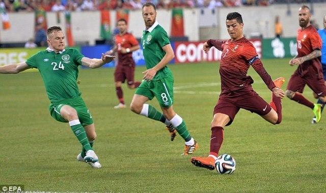 رونالدو يتألق في مباراة البرتغال وايرلندا