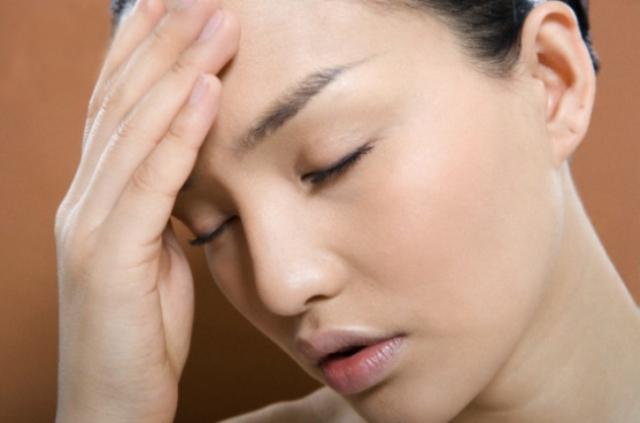 كيف يؤثر مزاجك على بشرتك؟