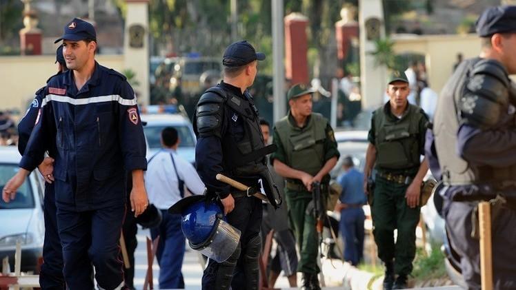 مقتل 7 عسكريين في الجزائر بانفجار قنبلة