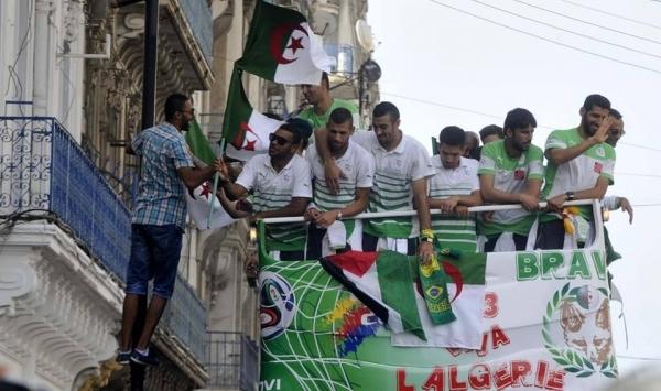 لاعبو الجزائر يتبرعون بـ 9 ملايين يورو لغزة