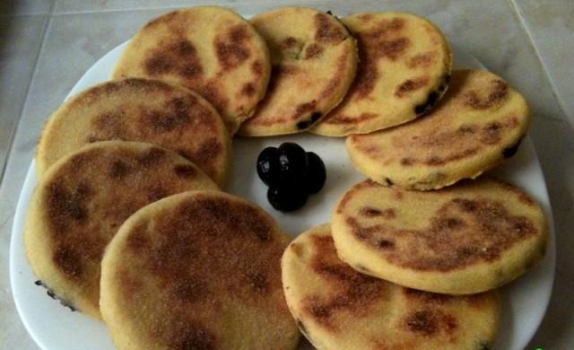 حرشة مغربية بالجبن والزيتون