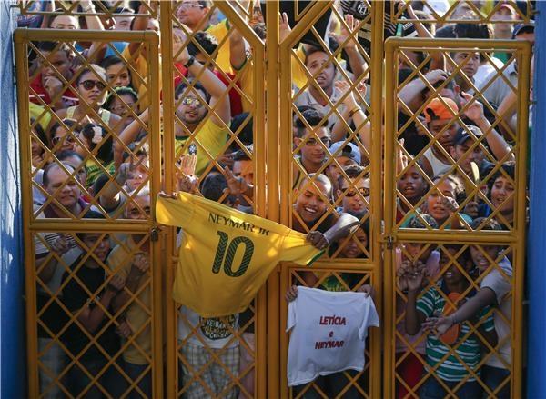 جماهير البرازيل تزعج لاعبي كولومبيا ليلا