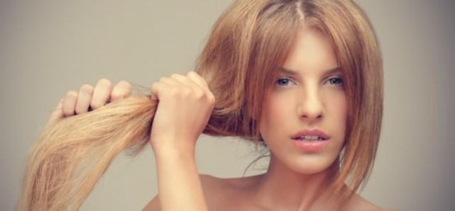 4 وصفات تعالج شعرك التالف قبل العيد