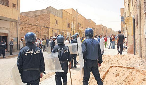 توقيف 18 شخصا وتسجيل أزيد من أربعين جريحا  في أحداث العنف بولاية غرداية الجزائرية