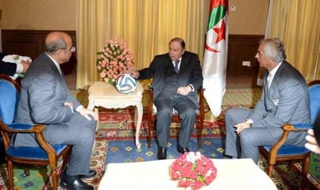 استقبال رسمي من قبل بوتفليقة للاعبي المنتخب الجزائري