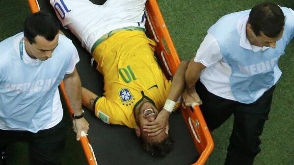 صدمة قوية للبرازيل بعد إصابة نيمار