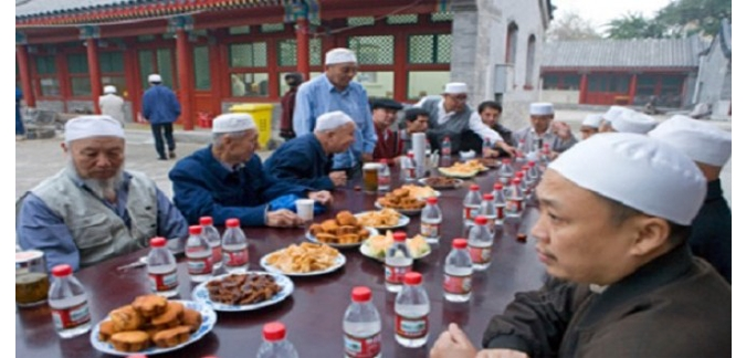 الصين تفرض قيودا على الصائمين في رمضان