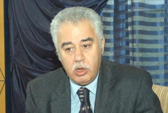 الجزائر وإشكاليات الدستور